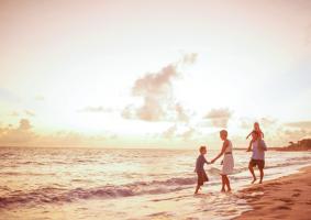 LIFE-IN-BEACH-min